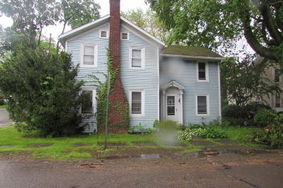 Single Family Home For Sale: 32 Pine Street