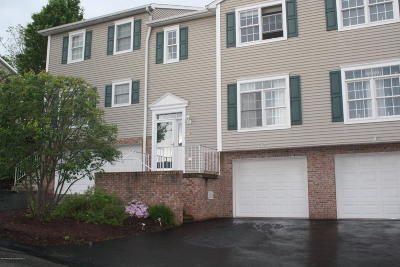 Clarks Summit Condo/Townhouse For Sale: 38 Waterford Rd