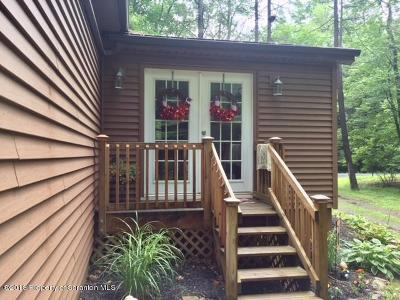 Lackawanna County Single Family Home For Sale: 125 Country Club Dr