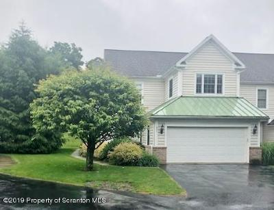 Lackawanna County Single Family Home For Sale: 801 Ohenry Close