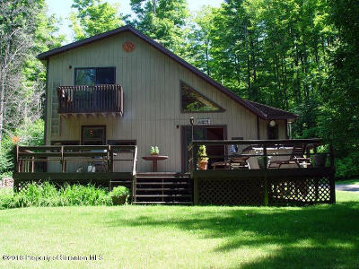 Lackawanna County Single Family Home For Sale: 16 East Lake Road