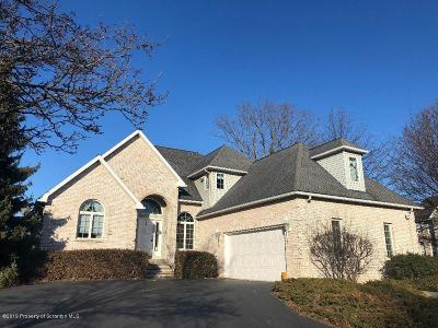 Lackawanna County Single Family Home For Sale: 1 Somerset Close