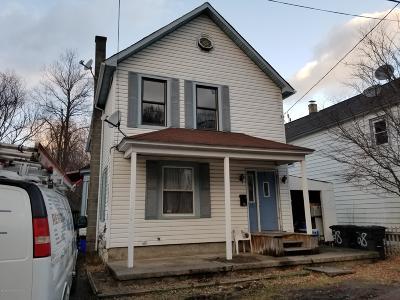 Lackawanna County Single Family Home For Sale: 28 Reynshanhurst St