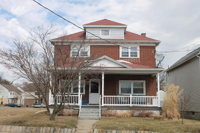 Lackawanna County Single Family Home For Sale: 240 Maple St