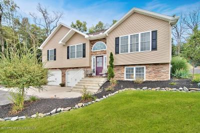Luzerne County Single Family Home For Sale: 60 Whispering Way