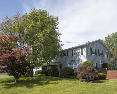 Clarks Summit Single Family Home For Sale: 512 Tulip Cir