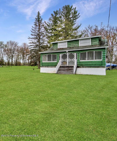 Lackawanna County Single Family Home For Sale: 1272 Crystal Lake Blvd.