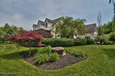 Lackawanna County Single Family Home For Sale: 11028 Valley View Dr