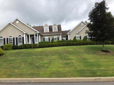 Lackawanna County Single Family Home For Sale: 1015 Circle Green Dr