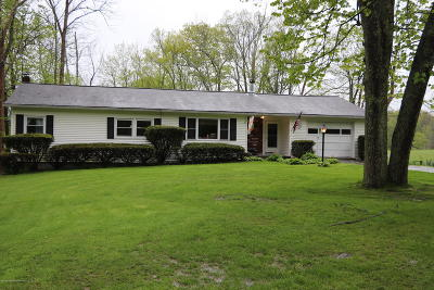 Tunkhannock Single Family Home For Sale: 297 Bartron Rd