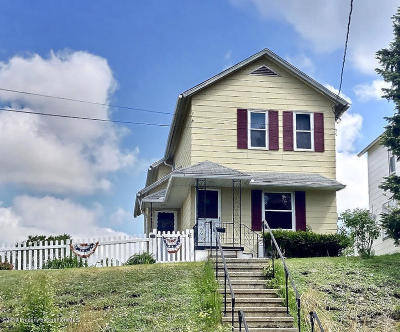 Lackawanna County Single Family Home For Sale: 240 Hickory St