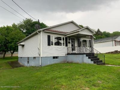 Lackawanna County Single Family Home For Sale: 815 Meehan St