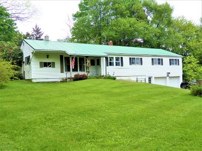 Susquehanna County Single Family Home For Sale: 5313 Quaker Lake Rd