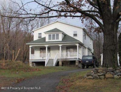 Luzerne County Single Family Home For Auction: 530 Avondale Hill Rd