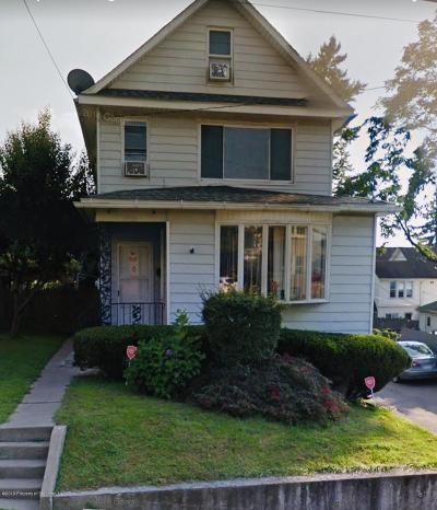 Lackawanna County Single Family Home For Sale: 512 New York St