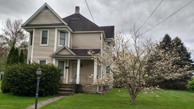 Lackawanna County Single Family Home For Sale: 108 Cemetery St