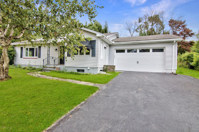 Lackawanna County Single Family Home For Sale: 216 Grayson Dr