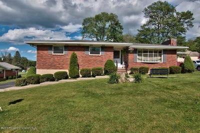 Lackawanna County Single Family Home For Sale: 301 Beechwood Dr