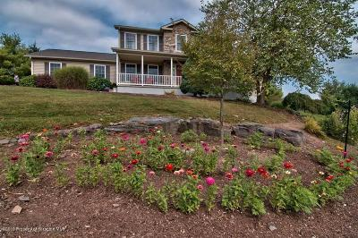 Lackawanna County Single Family Home For Sale: 64 Greenbriar Dr
