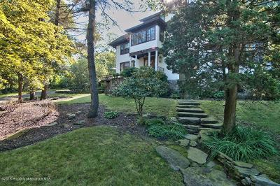 Lackawanna County Single Family Home For Sale: 12 Elmhurst Blvd.
