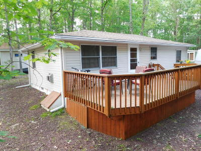 Luzerne County Single Family Home For Sale: 12 Fox Run Dr