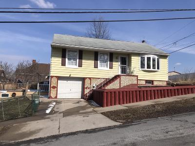 Lackawanna County Single Family Home For Sale: 711 Brook St