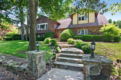 Lackawanna County Single Family Home For Sale: 104 Debbie Dr