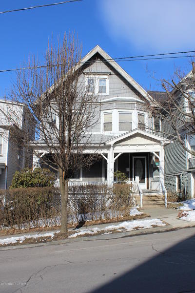 Lackawanna County Single Family Home For Sale: 907 Myrtle St
