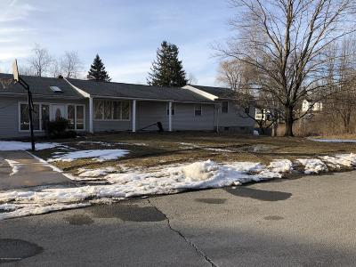 Lackawanna County Single Family Home For Sale: 1531 Upper Fords Pond Rd