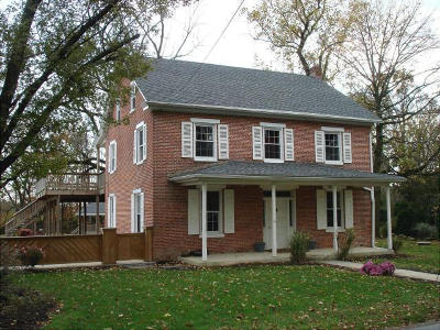 Manheim Single Family Home For Sale: 673 Auction Road