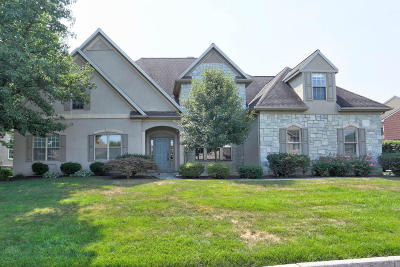 Lititz Single Family Home For Sale: 805 Woodfield Drive