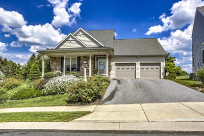 Lancaster Single Family Home For Sale: 28 Breeze Way
