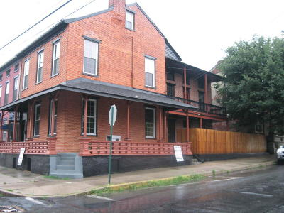 Columbia Multi Family Home For Sale: 200 Walnut Street