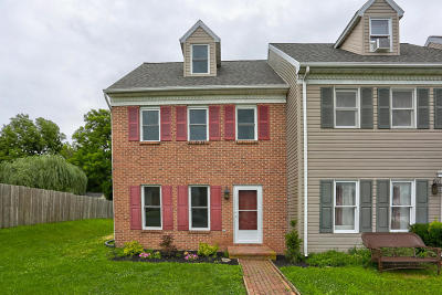 Lititz Single Family Home For Sale: 15 Pheasant Lane
