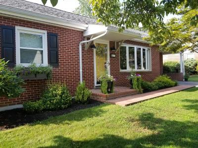 Strasburg Single Family Home For Sale: 47 Denlinger Avenue