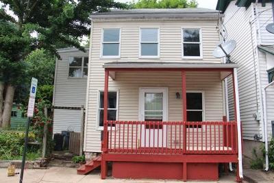 Marietta Single Family Home For Sale: 668 E Market Street