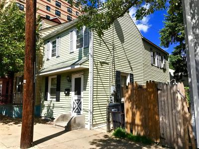 Columbia Single Family Home For Sale: 225 S 4th Street