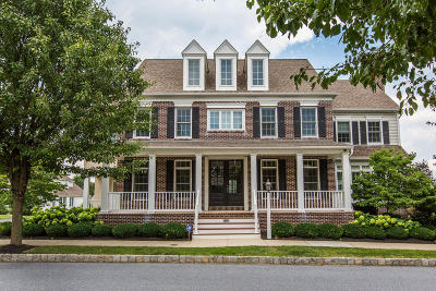 Single Family Home For Sale: 1425 Amberly Street