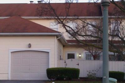 Lancaster Condo/Townhouse For Sale: 5 Spring Walk Court