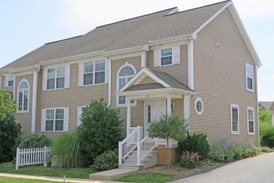 Lititz Condo/Townhouse For Sale: 720 Wallingford Road