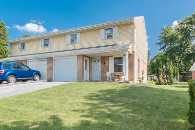 Akron Single Family Home For Sale: 227 Colonial Drive
