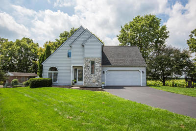 Lancaster Single Family Home For Sale: 3488 Crystal Lane