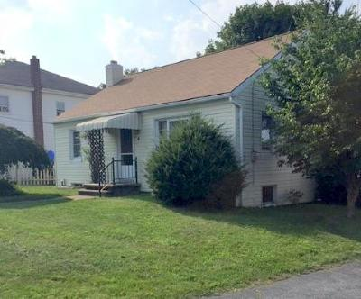 Akron Single Family Home For Sale: 6 N Conestoga View Drive