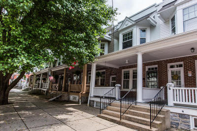 Columbia Single Family Home For Sale: 730 Walnut Street
