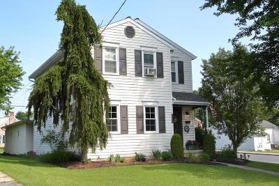 Denver Single Family Home For Sale: 128 N 6th Street