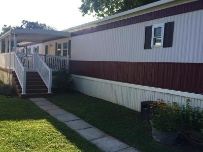 New Holland Manufactured Home For Sale: 321 Don Drive