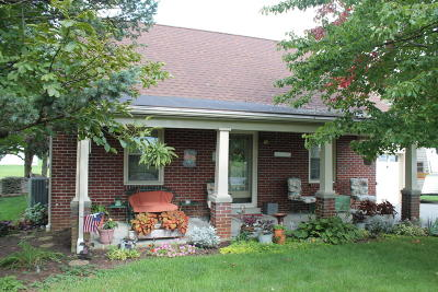 Manheim Single Family Home For Sale: 1575 S Colebrook Road