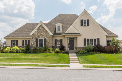 Lititz Single Family Home For Sale: 617 Integrity Drive