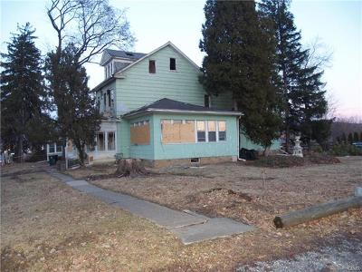 Multi Family Home Available: 2710 Freemansburg Avenue