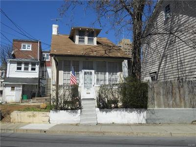 Multi Family Home Available: 941 Jackson Street